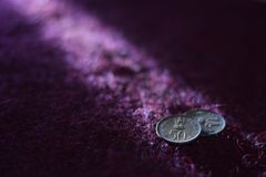 Alte Inder 50 paise Münzenphotographie Stockbild