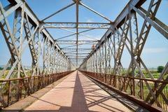 Alte industrielle Brücke Stockfoto