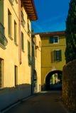 Alte Italien-Straßen, desenzzano. Stockbilder