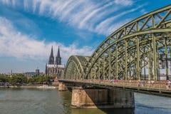 Alte Köln-Brücke in Deutschland lizenzfreies stockbild