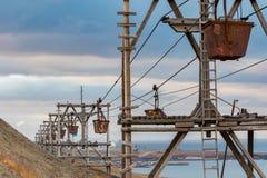 Alte Kabelweise für Transport der Kohle in Longyearbyen, Svalba Stockfotografie