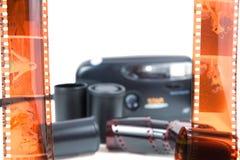 Alte Kamera, Film lizenzfreie stockfotos