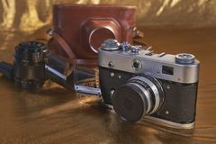 Alte Kamera, Linse, Fall Retro- Aufbau stockfotografie