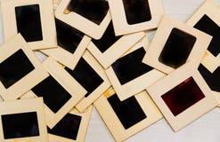 Alte Kamera mit Negativen und Diaphotographie lizenzfreie stockbilder