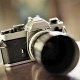 Alte Kamera und Linse für Fotografie Stockfotos