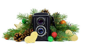 Alte Kamera und Weihnachtsbaumaste liebhaberei Getrennt stockfoto