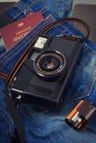 Alte Kamera, Weinlesekamera filmt populäres in der Vergangenheit Stockfotografie