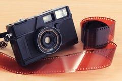 Alte Kamera, Weinlesekamera filmt populäres in der Vergangenheit Lizenzfreie Stockfotografie