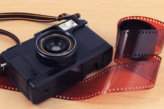 Alte Kamera, Weinlesekamera filmt populäres in der Vergangenheit Lizenzfreies Stockbild