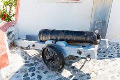 Alte Kanone auf Santorini-Insel, Kreta, Griechenland. Stockbilder