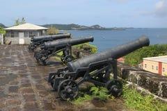 Alte Kanonen am historischen Fort George in St- George` s, Grenada lizenzfreie stockfotos