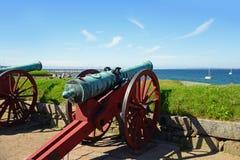 Alte Kanonen im Kronborg ziehen sich das Helsingör, Dänemark zurück stockfotos