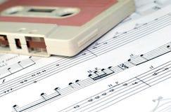 Alte Kassetten- und Musikanmerkungen Lizenzfreie Stockfotografie