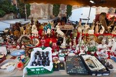 Alte keramische Sachen an der Flohmarkt Lizenzfreies Stockbild