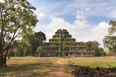 Alte Khmerpyramide, KOH Kher Tempel Stockfotos