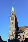 Alte Kirche der europäischen Art in Nürnberg Stockbilder