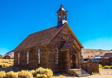 Alte Kirche in Kalifornien-Geisterstadt stockfotografie