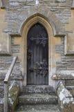 Alte Kirche-Tür Stockfotos