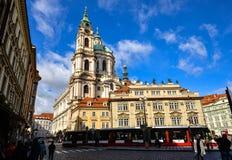 Alte Kirche von Sankt Nikolaus ist eine barocke Kirche in Lesser Town von Prag, Tschechische Republik Stockbilder