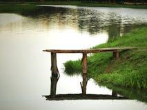 Alte kleine Brücke Lizenzfreie Stockfotos