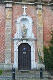 Alte kleine Kirche gelegen auf Putkapelstraat-Straße in Gent, Belgien am 5. November 2017 Stockfotografie