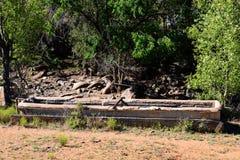 Alte konkrete Wasserabflussrinne Stockfoto