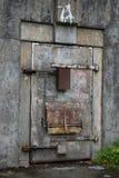 Alte Kriegs-Bunker-Tür Stockfotografie