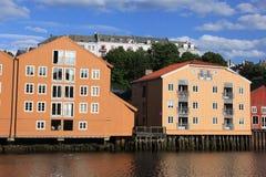Alte Lagerhäuser in Trondheim Stockfotografie