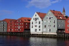 Alte Lagerhäuser in Trondheim Lizenzfreies Stockbild