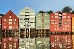 Alte Lagerhäuser in Trondheim Stockbild