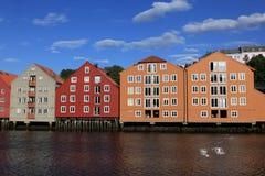 Alte Lagerhäuser in Trondheim, Norwegen Stockfotos
