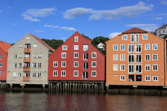 Alte Lagerhäuser in Trondheim, Norwegen Lizenzfreies Stockbild