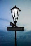 Alte Lampe mit Licht Lizenzfreies Stockbild