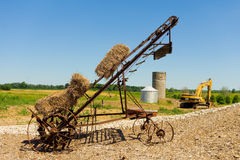 Alte landwirtschaftliche Ausrüstung in Süd-Ontario Stockfotos