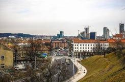 Alte litauische Architektur der Vilnius-Stadt Allgemeine Draufsicht Stockbild