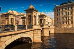 Alte Lomonosov-Brücke in St Petersburg Lizenzfreie Stockbilder