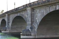 Alte London-Brücke an Lake- Havasustadt Arizona stockfoto