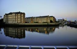 Alte London-Häuser im Dockside Lizenzfreies Stockfoto