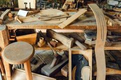 Alte luthier ` s Werkstattbank stockfoto