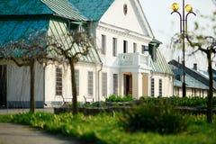 Alte Luxusvilla Stockfotos