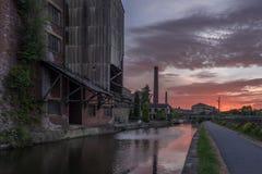 Alte Mühle auf Kanal Stockfotografie