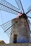 Alte Mühle für die Sammlung des Salzes lizenzfreie stockbilder