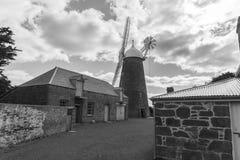Alte Mühle und Erbaufgeführte Gebäude Stockfotos