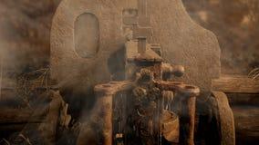 Alte Maschinengewehr Maxime in den Gräben stock footage