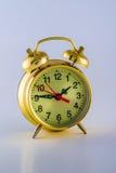 Alte mechanische Alarmuhr 2 stockfotografie