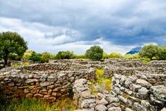 Alte Megalithen-Serra Orrios Nuragic Village in Sardinien, Italien Stockbild