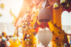 Alte Messing-Bell in Thailand-Tempel Stockbild