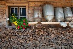 Alte Milchdosen Stockfotos