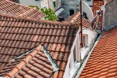 Alte mit Ziegeln gedeckte Dächer Stockfotos