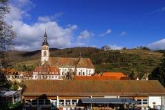 Alte mittelalterliche Abteikirche in Elsass Lizenzfreies Stockfoto